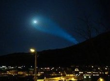 A strange light phenomenon is seen in the night sky above Skjervoy in northern Norway