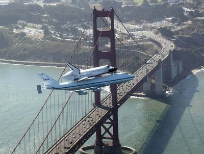 shuttle Endeavor flies over Golden Gate